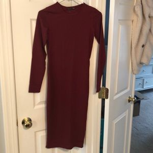Zara Burgundy Body con Dress